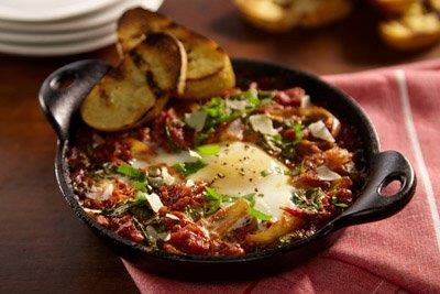 SALSA BAKED SPINACH AND EGGS